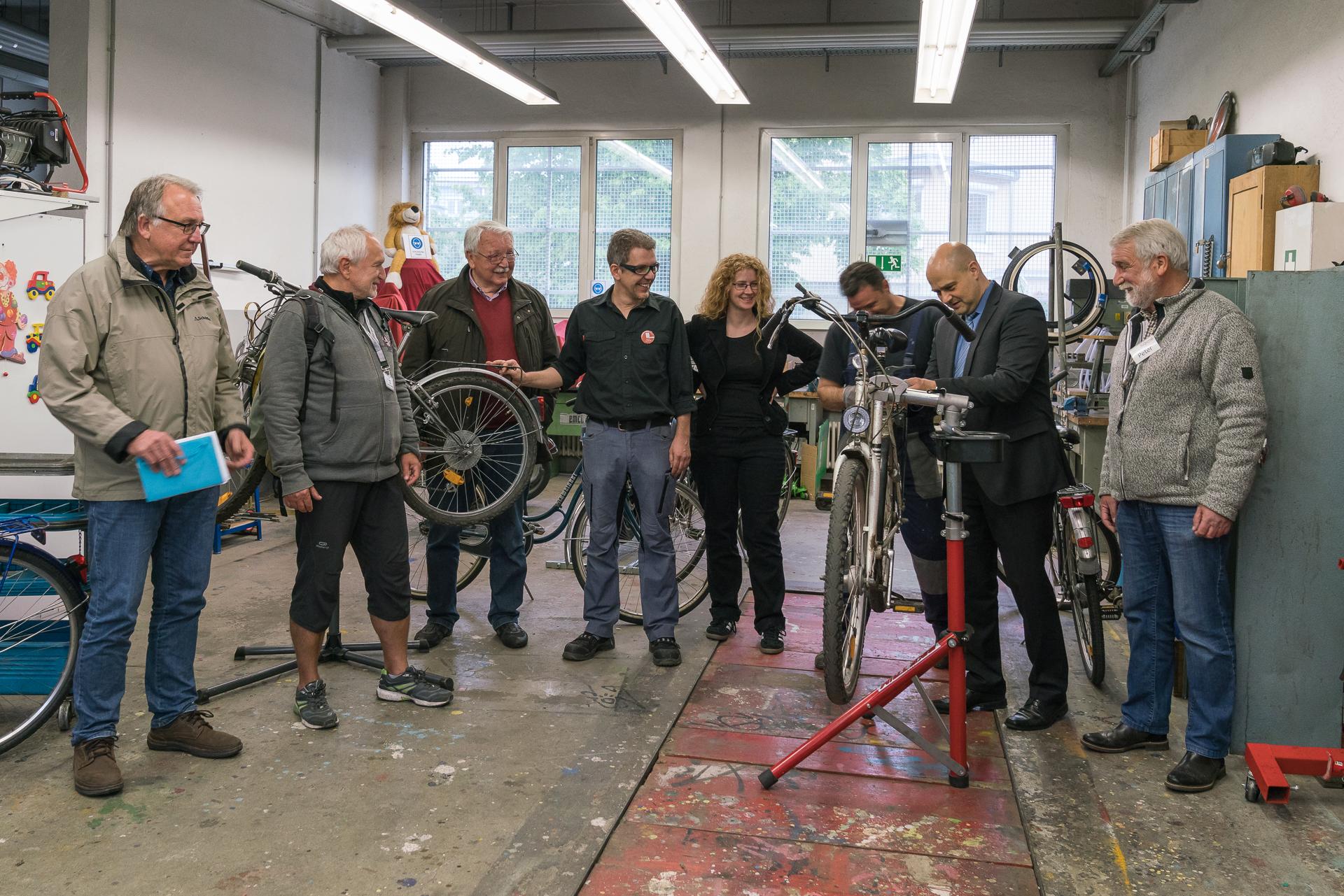 Eröffnung Fahrradwerkstatt AK Asyl im Specht